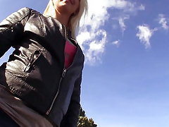 Unconstrained publicsex floozy cummed on outdoors